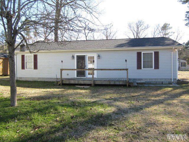 121 Island Trail W, Hertford, NC 27944 (MLS #93849) :: Chantel Ray Real Estate