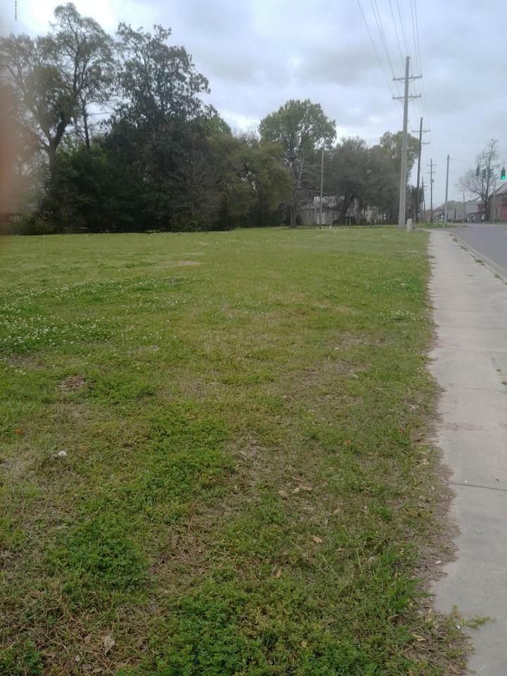 330-14 Railroad Avenue - Photo 1