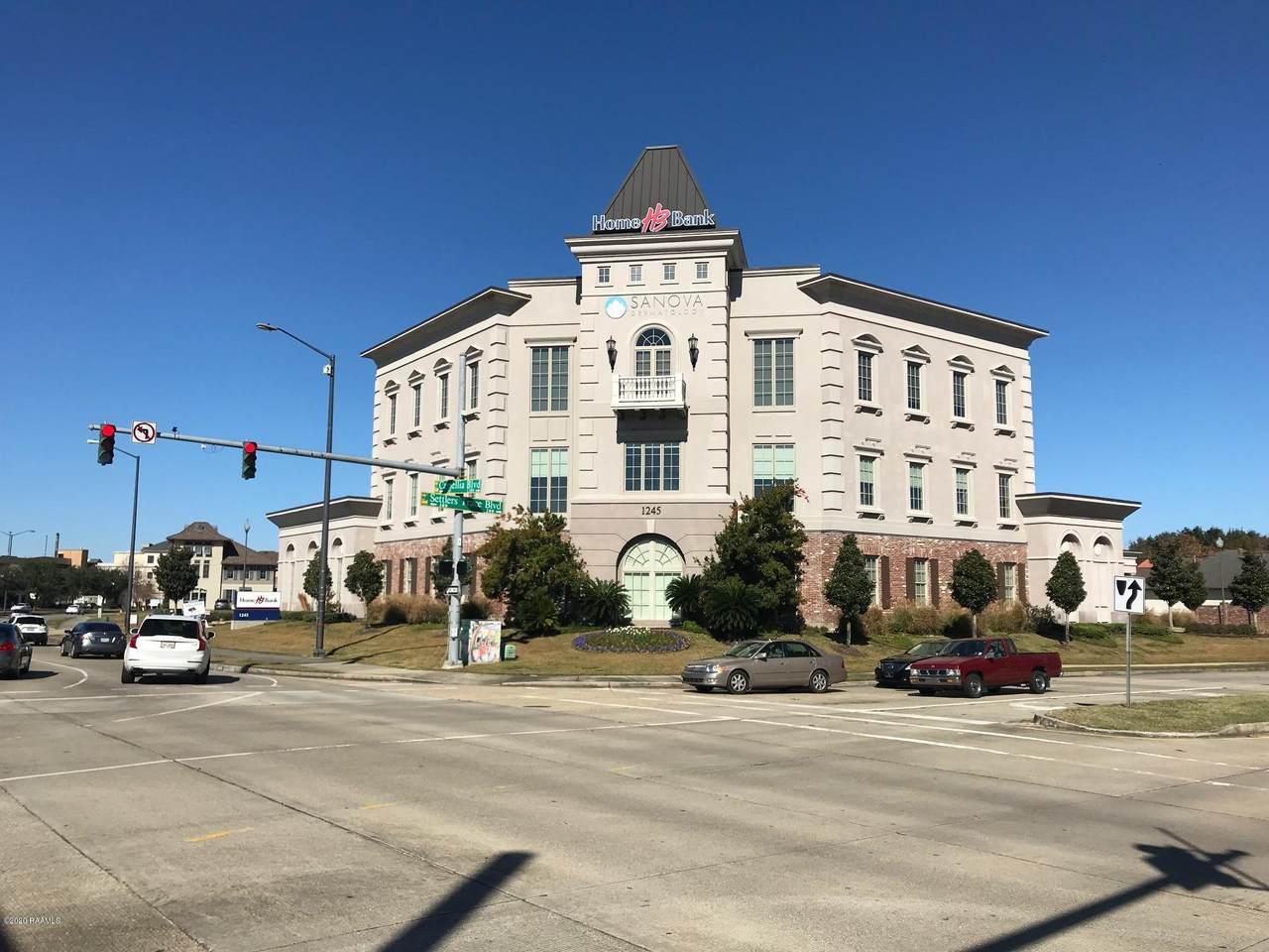 1245 Camellia Boulevard - Photo 1