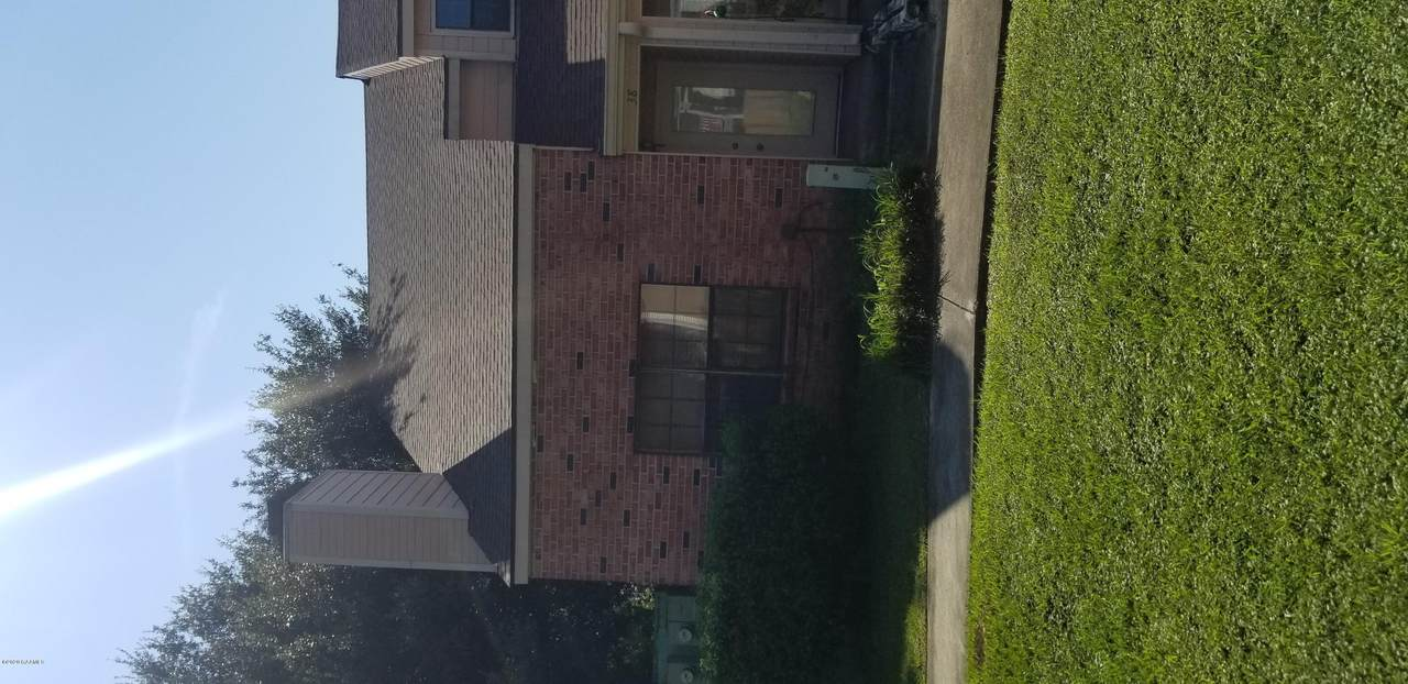 400 Brentwood - Photo 1