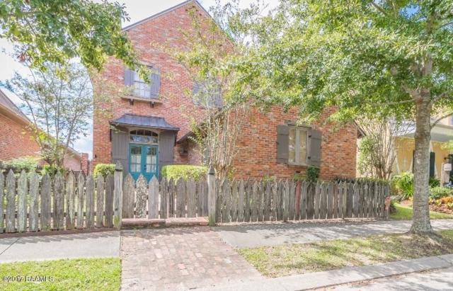 111 Woodsboro Drive, Lafayette, LA 70508 (MLS #17010273) :: Keaty Real Estate