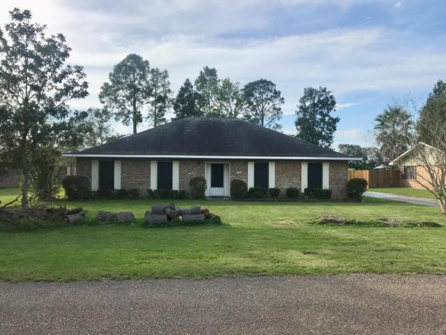 402 Estate Drive, New Iberia, LA 70563 (MLS #17010335) :: Keaty Real Estate