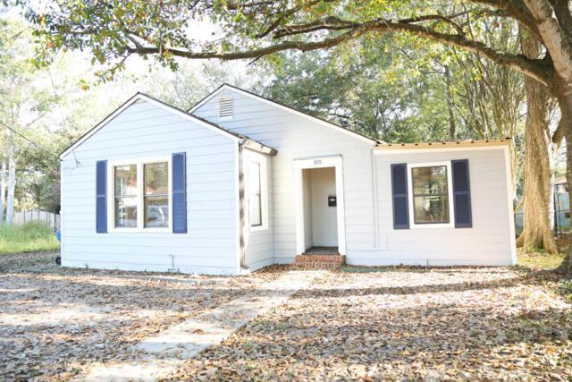 300 Cedar Crest Court, Lafayette, LA 70501 (MLS #17011816) :: Keaty Real Estate