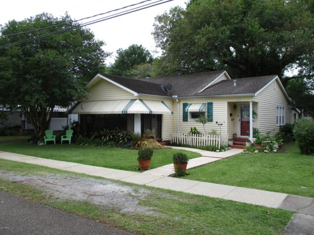 302 S Young Street, Abbeville, LA 70510 (MLS #18003574) :: Keaty Real Estate