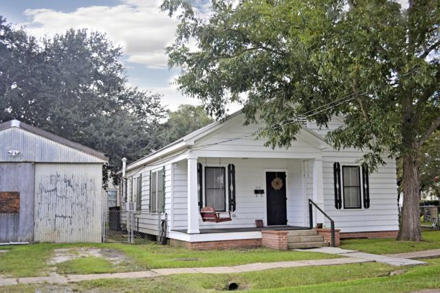 210 Louisiana Street, Jeanerette, LA 70544 (MLS #18009906) :: Keaty Real Estate