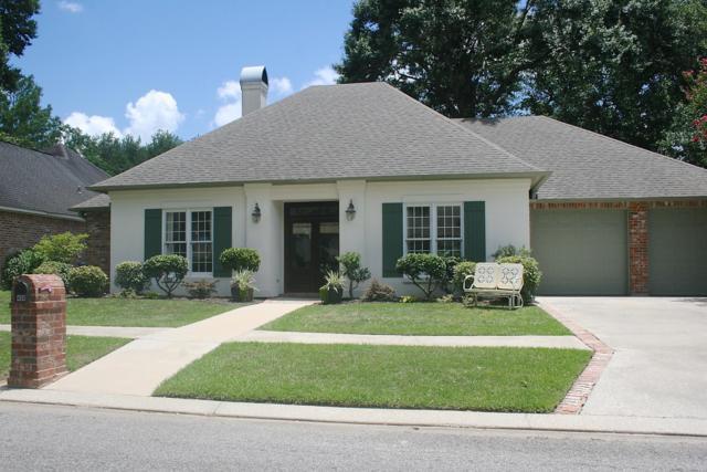 400 Cypress Cove, Youngsville, LA 70592 (MLS #18010790) :: Keaty Real Estate