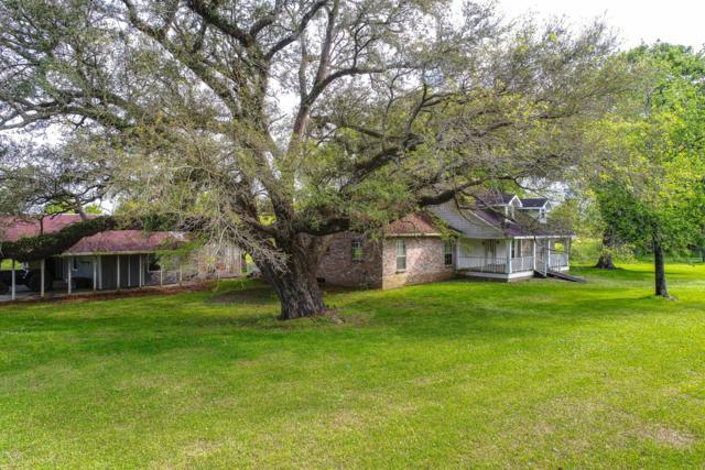 2709 Kris Kringle Road, Jeanerette, LA 70544 (MLS #19003848) :: Keaty Real Estate