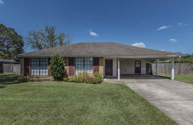 204 Janin Road, Broussard, LA 70518 (MLS #19009691) :: Keaty Real Estate