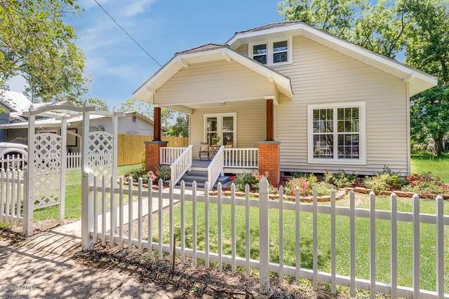 213 W 9th Street, Crowley, LA 70526 (MLS #20004730) :: Keaty Real Estate