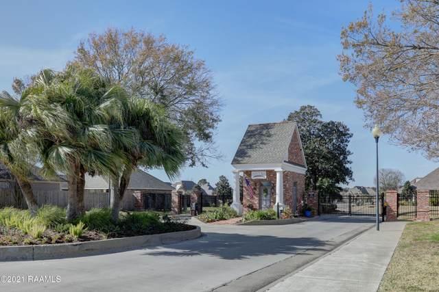 9 Steamboat Bend Boulevard, New Iberia, LA 70563 (MLS #21000442) :: Keaty Real Estate
