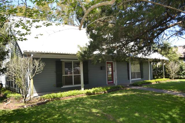 1002 Julia Street, New Iberia, LA 70560 (MLS #21003039) :: Keaty Real Estate