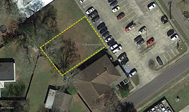 207 W Brentwood Boulevard, Lafayette, LA 70503 (MLS #17010257) :: Keaty Real Estate