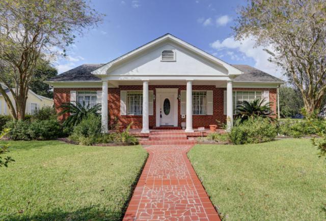 321 Indest Street, New Iberia, LA 70563 (MLS #17011017) :: Keaty Real Estate