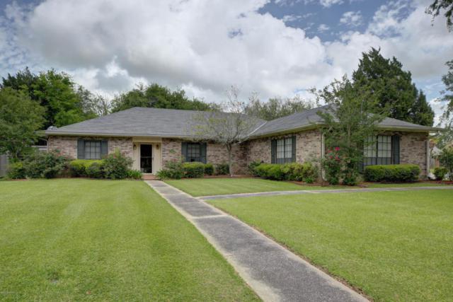 812 Briarwood Drive, New Iberia, LA 70560 (MLS #18002480) :: Keaty Real Estate