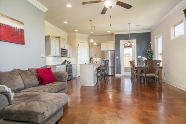 100 Sugarcreek Drive, Youngsville, LA 70592 (MLS #18007713) :: Keaty Real Estate