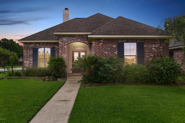 901 Southlake Circle, Youngsville, LA 70592 (MLS #18009221) :: Keaty Real Estate