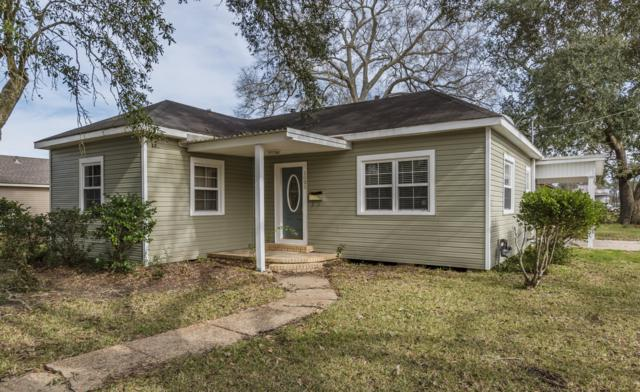 1025 S Ave F, Crowley, LA 70526 (MLS #18011420) :: Red Door Team | Keller Williams Realty Acadiana