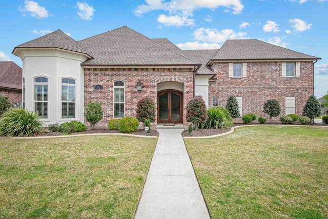 105 Quiet Oaks Drive, Youngsville, LA 70592 (MLS #20002012) :: Keaty Real Estate