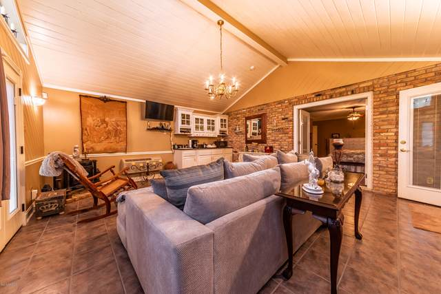 615 Ridge Road, Lafayette, LA 70506 (MLS #21009813) :: United Properties