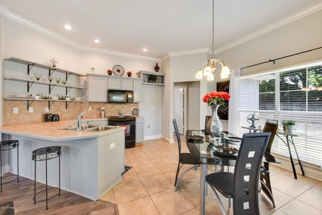 305 Madelyn Street, Broussard, LA 70518 (MLS #18004537) :: Keaty Real Estate