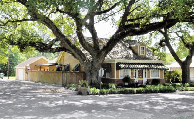 301 S Young Street, Abbeville, LA 70510 (MLS #18003836) :: Keaty Real Estate