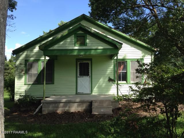 102 Virginia Street, Jeanerette, LA 70544 (MLS #17006346) :: Keaty Real Estate