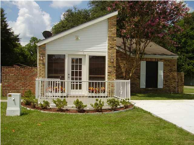 111 Darlene Drive, Lafayette, LA 70508 (MLS #17008263) :: Keaty Real Estate