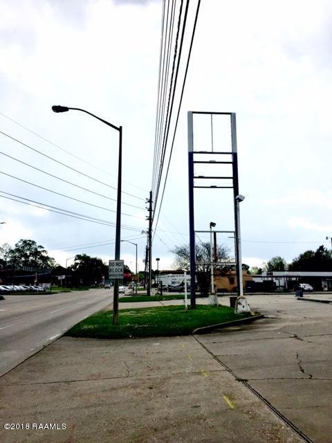 1303 N University, Lafayette, LA 70506 (MLS #18002595) :: Keaty Real Estate