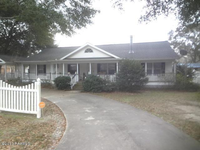 1720 Magnolia Street, Pine Prairie, LA 70576 (MLS #18003819) :: Keaty Real Estate