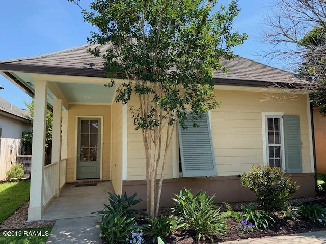 110 Barton Terrace, Youngsville, LA 70592 (MLS #19004004) :: Keaty Real Estate