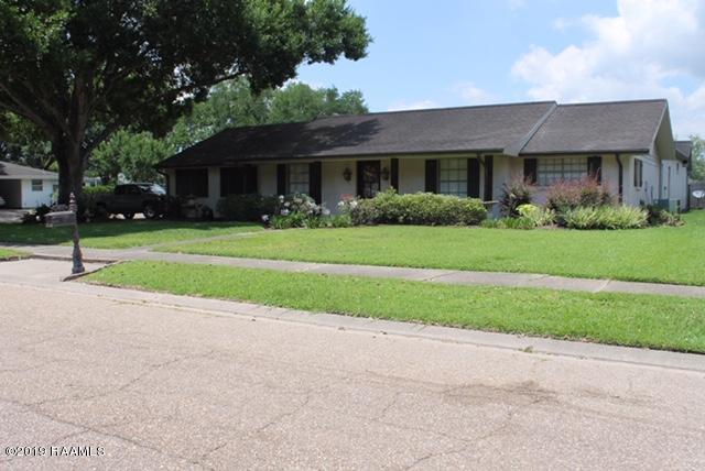 301 Elmwood Drive, Lafayette, LA 70503 (MLS #19007310) :: Keaty Real Estate