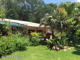 104 Bergeron Road, Jeanerette, LA 70544 (MLS #19007738) :: Keaty Real Estate