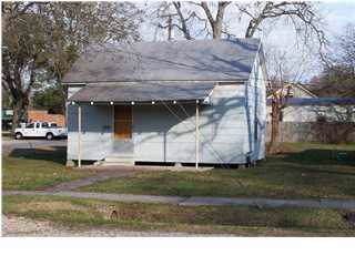712 Section Avenue, Rayne, LA 70578 (MLS #19012359) :: Keaty Real Estate