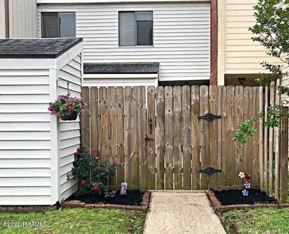 10 Heather Row, Lafayette, LA 70507 (MLS #20003189) :: Keaty Real Estate