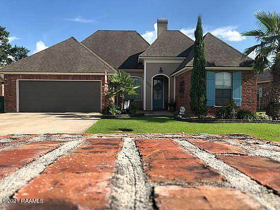 300 Hill Ridge Drive, Youngsville, LA 70592 (MLS #21000391) :: Keaty Real Estate