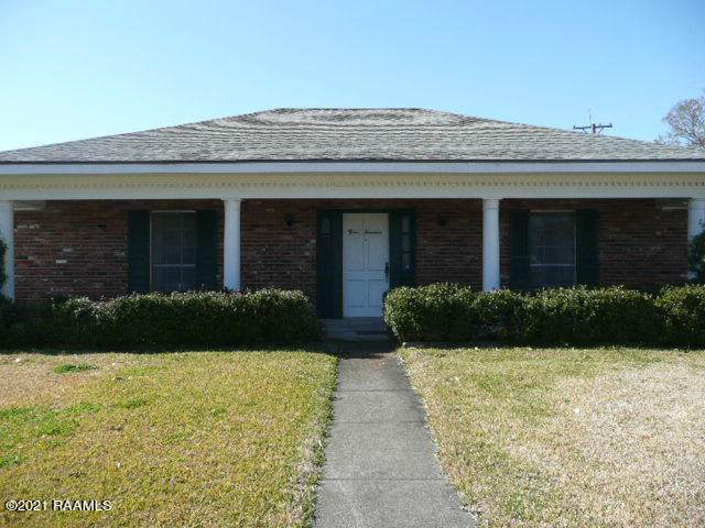 300 Robert Lee Circle, Lafayette, LA 70506 (MLS #21000561) :: Keaty Real Estate