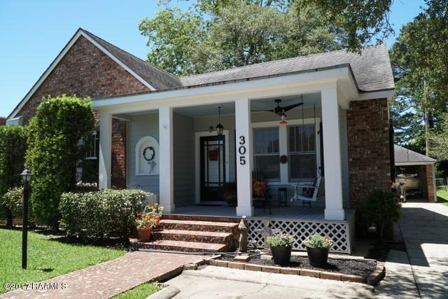 305 Indest Street, New Iberia, LA 70563 (MLS #17004426) :: Keaty Real Estate