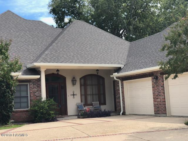 107 Inglenook Circle, Lafayette, LA 70508 (MLS #18007059) :: Cachet Real Estate