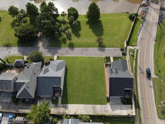 1005 Rue De La Riviere, Abbeville, LA 70510 (MLS #19009349) :: Keaty Real Estate