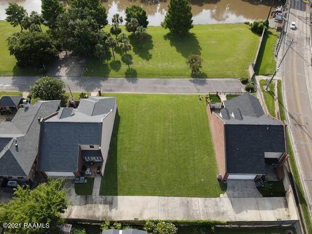 1007 Rue De La Riviere, Abbeville, LA 70510 (MLS #19009351) :: Keaty Real Estate