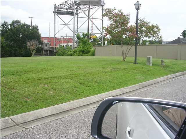 1012 Rue De La Riviere, Abbeville, LA 70510 (MLS #11228183) :: Keaty Real Estate