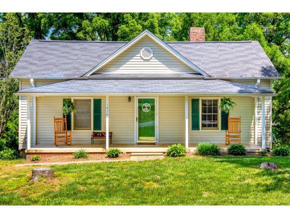 1038 Main St W, Graham, NC 27253 (MLS #103355) :: Nanette & Co.
