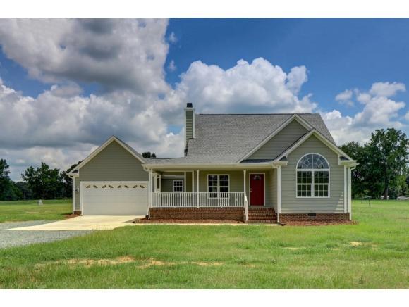 4264 Greensboro Chapel Hill Rd E, Graham, NC 27253 (MLS #104031) :: Nanette & Co.
