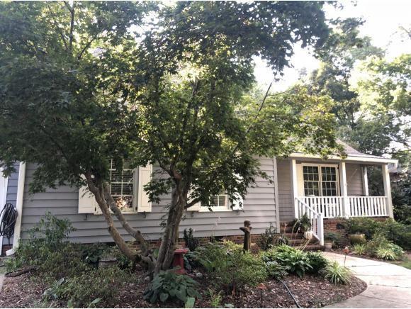 318 Fieldstone Dr, Burlington, NC 27215 (MLS #104096) :: Nanette & Co.