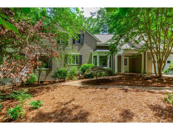 124 Red Bud Ln, Chapel Hill, NC 27514 (MLS #103796) :: Nanette & Co.
