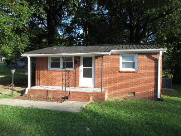 530 Fisher St N, Burlington, NC 27217 (MLS #104089) :: Nanette & Co.