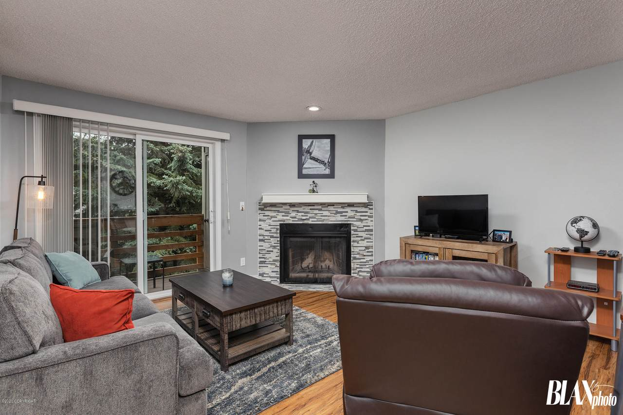9645 Independence Drive - Photo 1