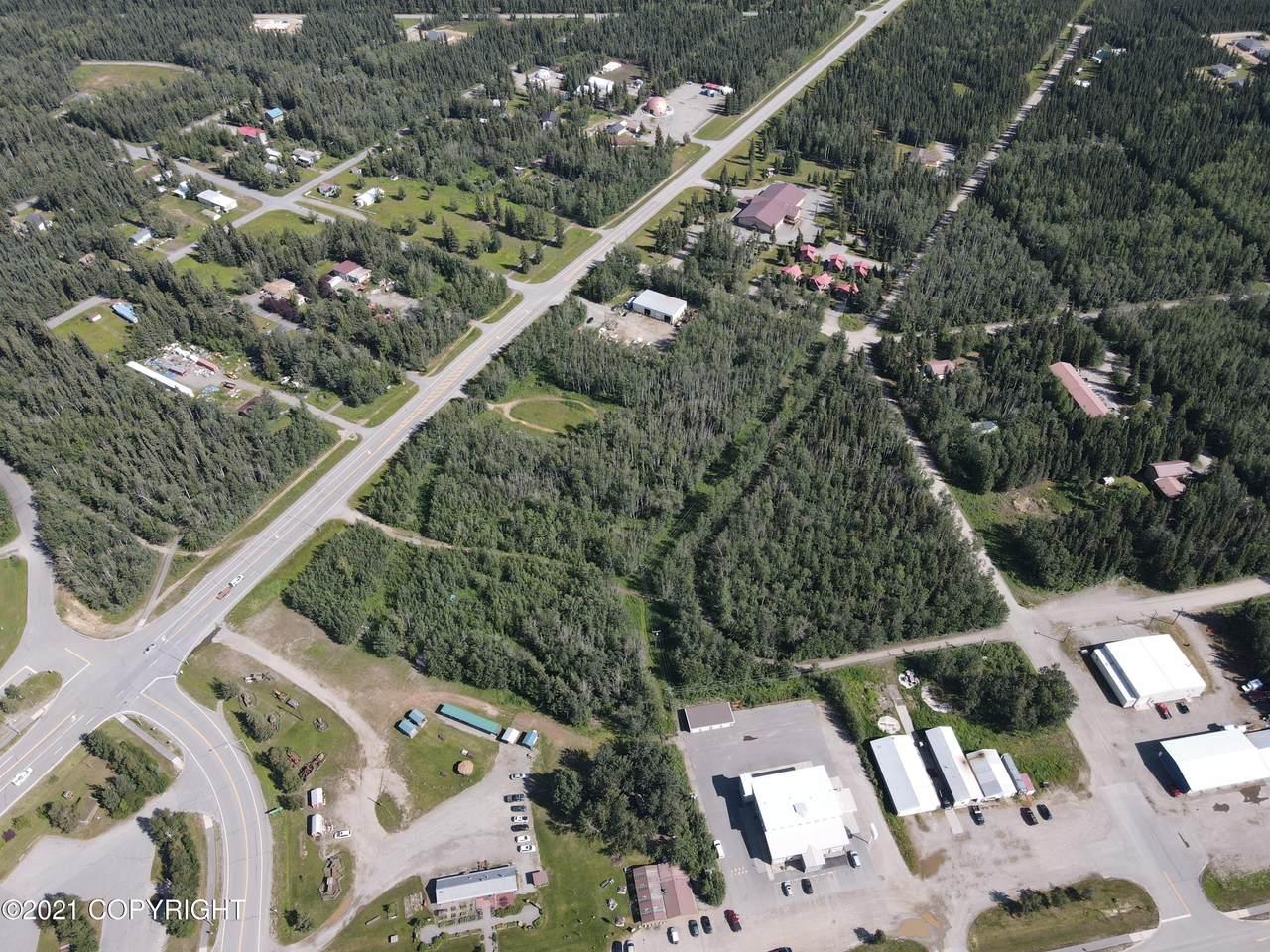 L80 Alaska Highway - Photo 1