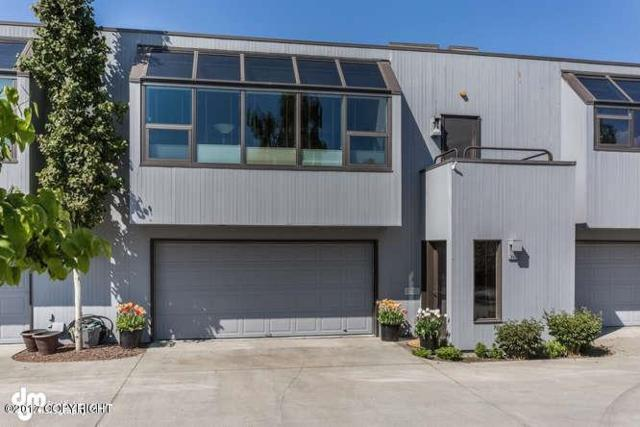 822 Overlook Place #3, Anchorage, AK 99501 (MLS #17-10109) :: Northern Edge Real Estate, LLC