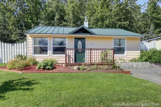 1504 Twining Drive, Anchorage, AK 99504 (MLS #17-14141) :: RMG Real Estate Experts